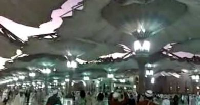 Umbrella opening Masjid e nabvi.mp4